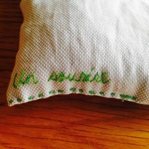 中袋も刺繍しました